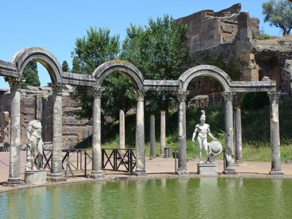 Skip the line: Day tour in Tivoli from Rome - Villa Adriana and Villa D'este