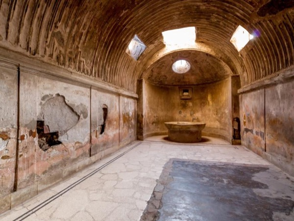 Pompeii and Herculaneum led by an Archaeologist - from Rome