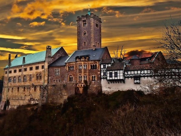 Wartburg Private Tour with ICE highspeed Train - from Frankfurt Airport to Eisenach.