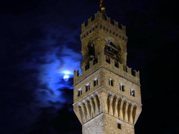 Murders, Rivalries and Conspiracies. Private Tour of Middle Ages Florence