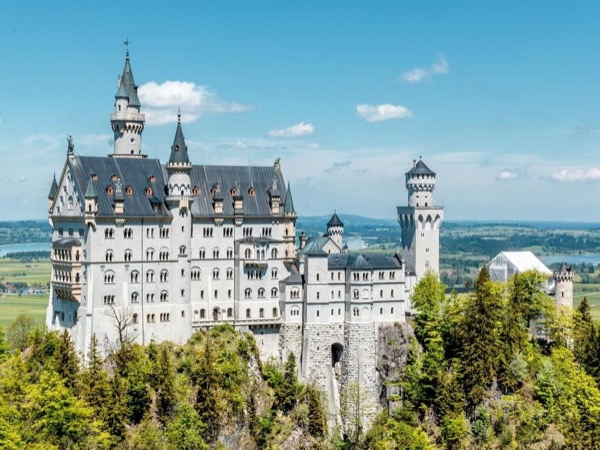 Royal Castles of Ludwig II - Private Day Tour by Minivan from Munich