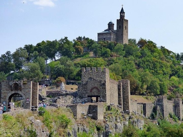 Tour of glorious Veliko Tarnovo and the village of Arbanassi