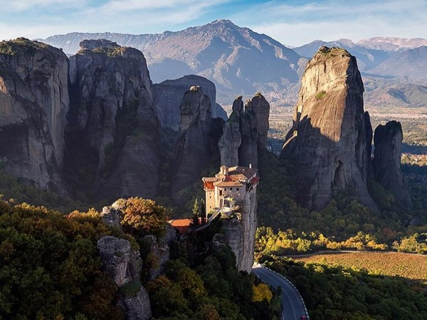 Delphi - Meteora 2 Day Private Tour by minivan