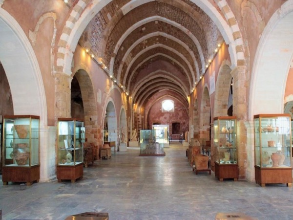 Chania private walking-tour & archaeological museum