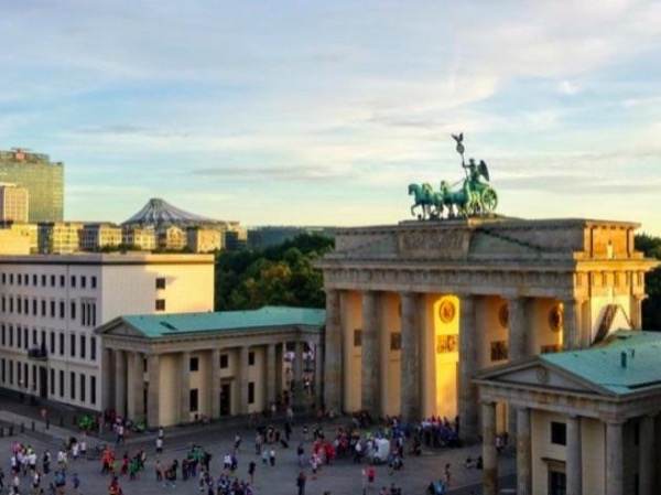 Classic Berlin Tour for First Time Visitors