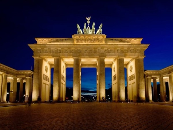 3-hours tour Berlin in a minivan - Private tour