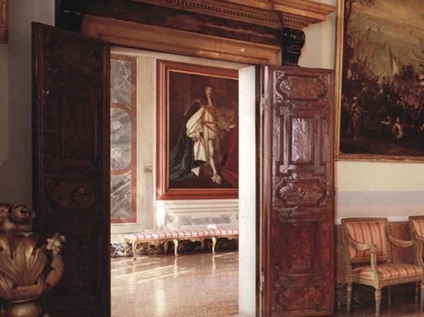 Palazzo Mocenigo: fashion and parfumes of the Venice of the past!