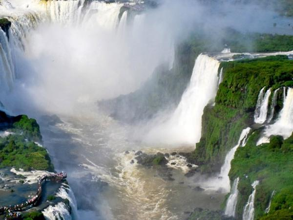 Brazil and Argentinean Falls + transfer in and out IGU airport (BRAZIL).