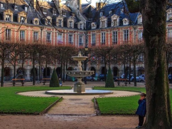 Two-Hour Private Guided Tour of the Historic District of the Marais, Paris