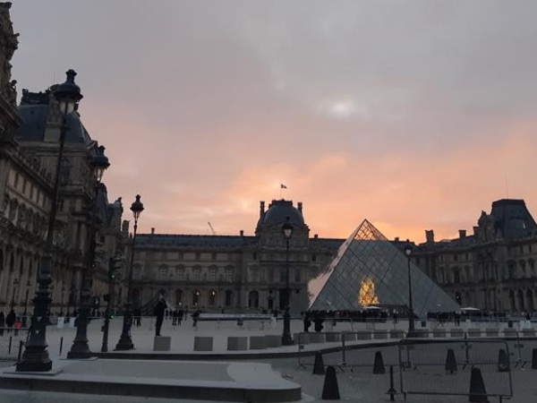 Private guided tour of the Louvre, Paris.