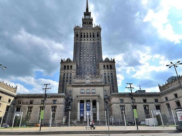 Warsaw Comunism Tour by Private Transportation