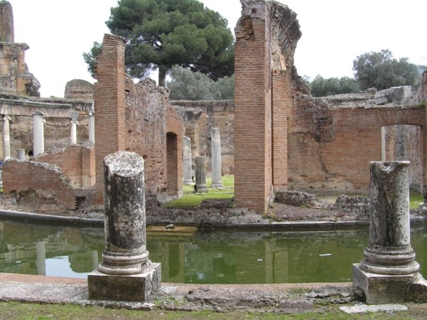 Tivoli: Ancient Estates and Natural Landscapes
