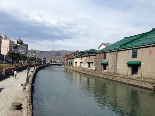Finding historical assets and food tour at Otaru