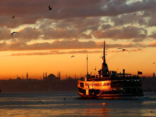 Istanbul Private Tour with Europe and Asia