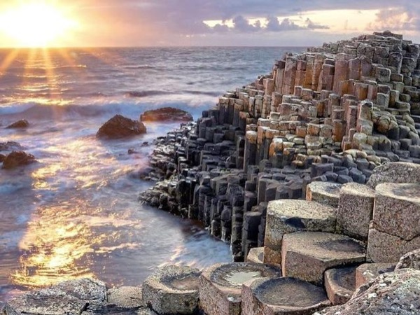 From Dublin To Giants Causeway coastal tour INCLUDES Titanic Belfast