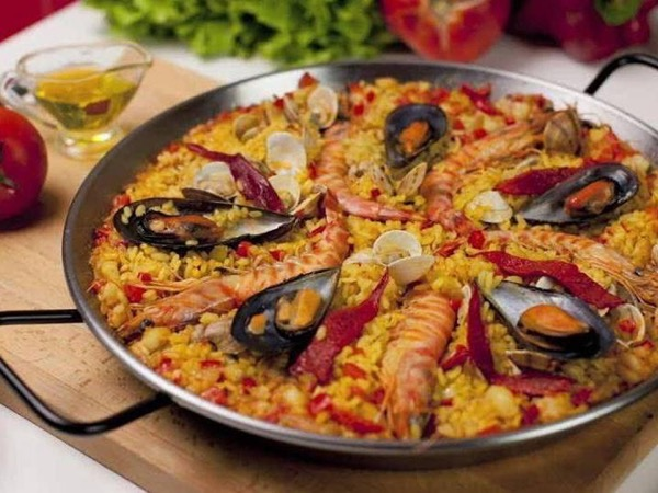 Exclusive Paella Cooking Class