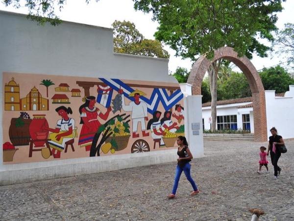 Leon Viejo & Metropolitan City