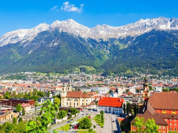Private transfer tour from Salzburg to Innsbruck with sightseeing on the way!