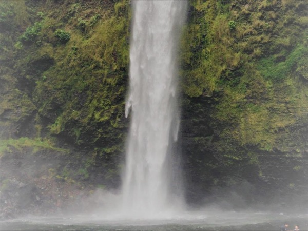 Hiking-Waterfall day in Quito !! Pita Waterfall (Molinuco)