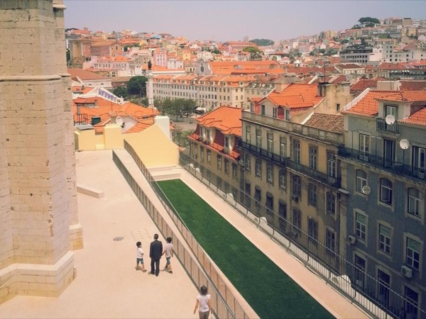 A stroll through Lisbon with your private guide