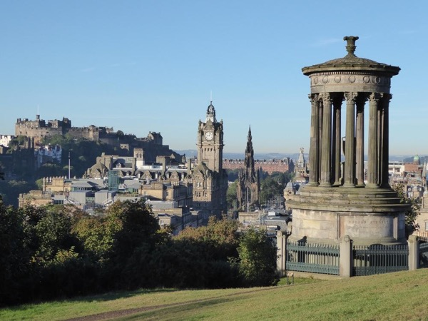 Enjoy a 2 day combining a walking Tour in Edinburgh and a visit to St Andrews