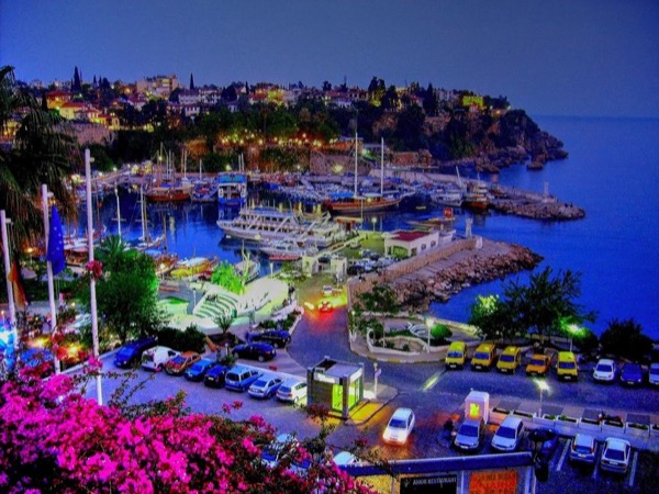 Antalya By Night / Dining out
