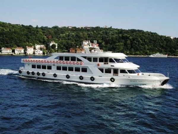 Half Day Private Bosphorus Tour by Boat