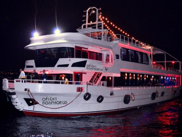 Private Cruise with Dinner in Bosphorus