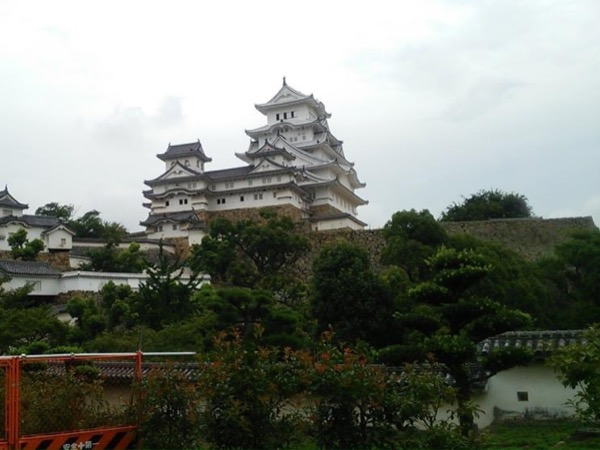 Full day Private tour to Himeji castle from Kyoto ( or Osaka) by Shinkansen with the bonus trip to Kobe.