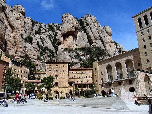 Catalonia, Montserrat, Colonia Guell private car day tour
