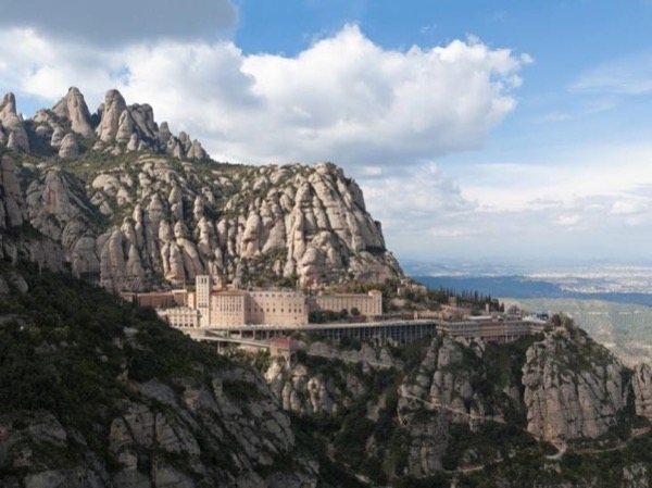 Family and friends day out to Montserrat and Colonia Guell