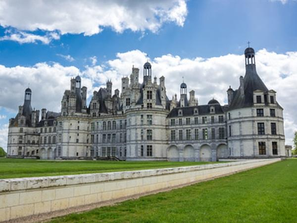 The Loire Valley Castles Tour