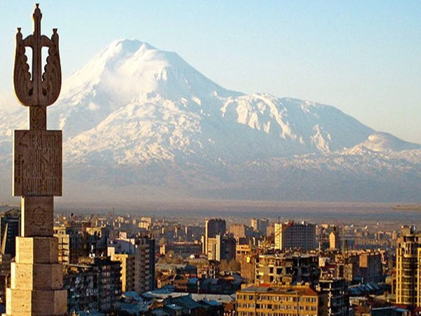 3-Hour-Long Private Guided Walking Tour in Yerevan
