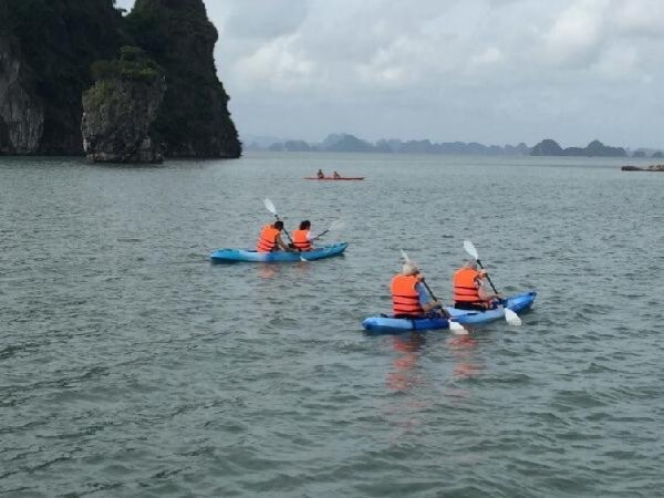 Off the beaten track cruising in Bai Tu Long Bay