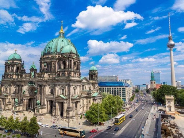 Essential Berlin - Short Walking Tour With A Private Guide