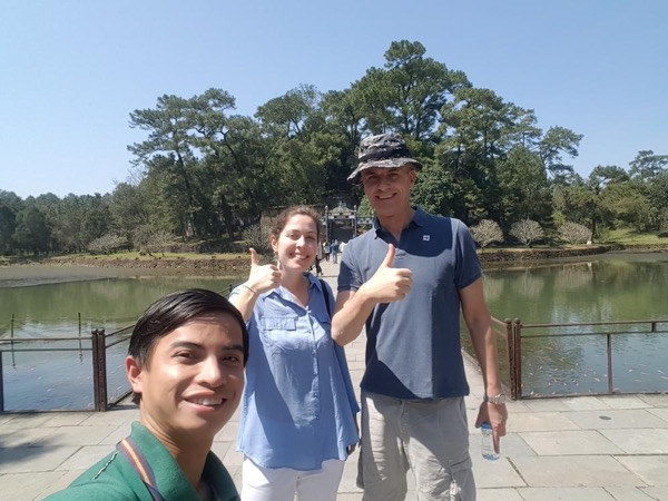 Private tour guide Hoa