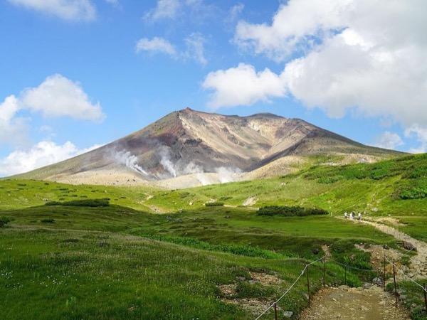 Asahidake Hiking Private Tour. From July.