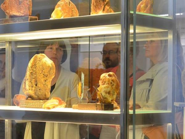 Amber museum and old town of Klaipeda Tour