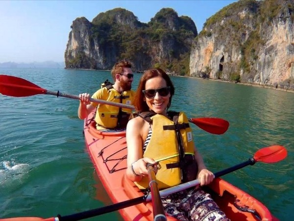 Amazing Cruise trip to Ha Long Bay - Day Trip