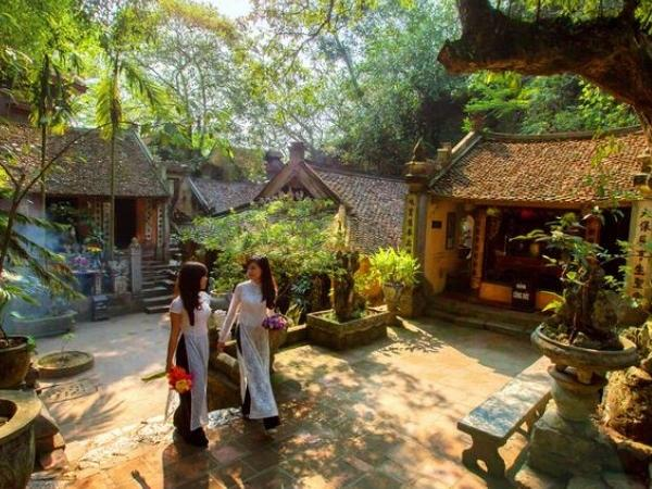 Duong Lam Ancient Villages - Private Tour 1 Day