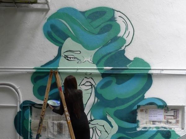 Explore Hong Kong's vibrant street art scene!