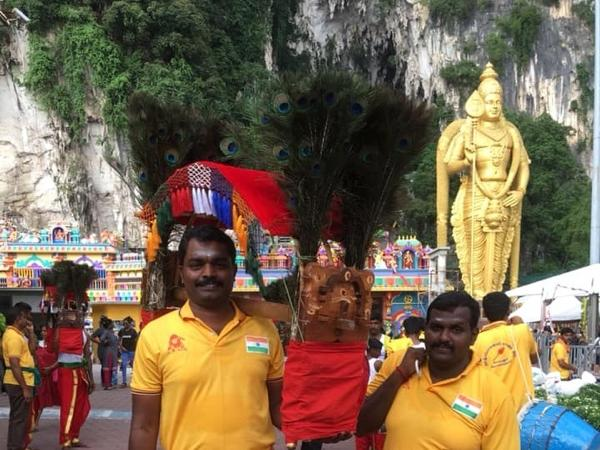 Kuala Lumpur 1/2 Day Batu Caves, Art and Handicraft Private Tour