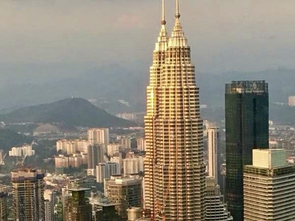 Kuala Lumpur Private Tour - Significant Kuala Lumpur City & Country Shore Excursion