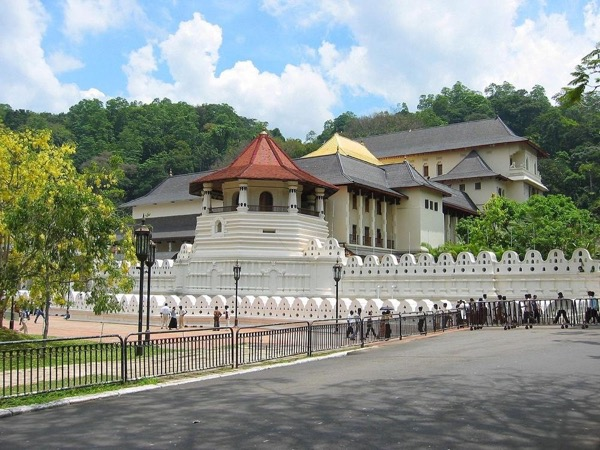 Explore Kandy in Full-Day Tour