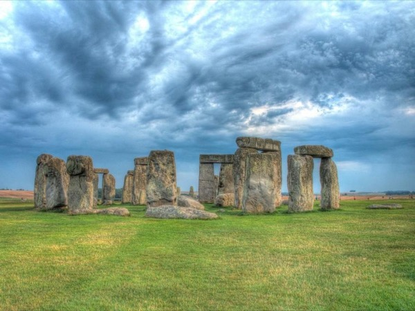 Private guided driver tour in luxury vehicle to Windsor Castle, Stonehenge and Salisbury Cathedral