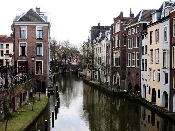 Full day Tour of Utrecht, Naarden, Muiden, Weesp and Vecht River