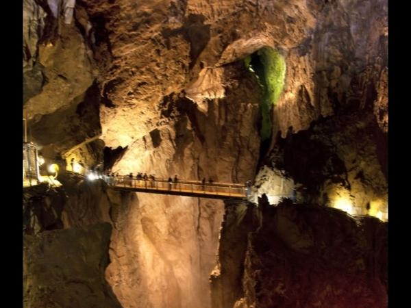 Skocjan caves and degustation of prosciutto and wine teran Tour
