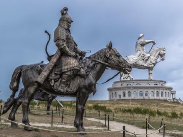 Ulaanbaatar City Tour and Genghis Khan Equestrian Statue - 1 day