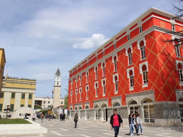 Walking tour in Tirana