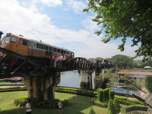 Private tour to the Floating Market and bridge over the River Kwai